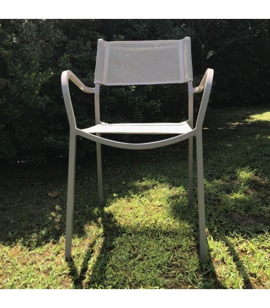 Alice Chair with arms in Textilene