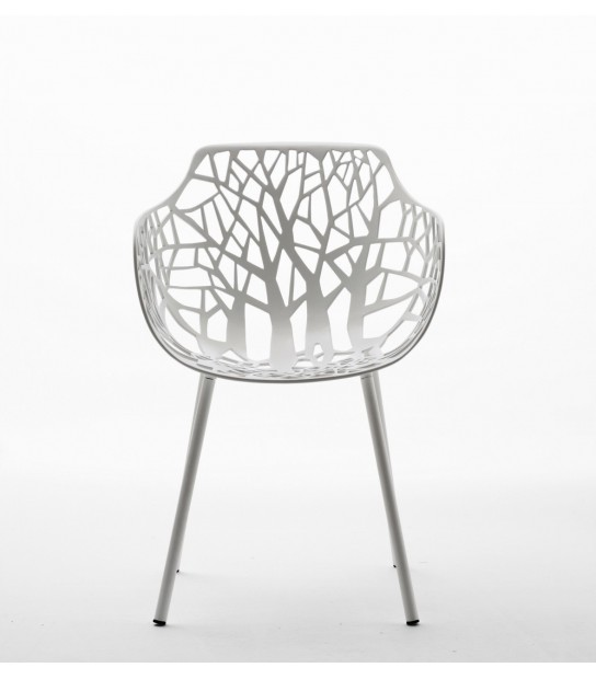 Forest Chair with Arms in Aluminium hambient
